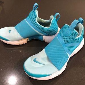 Nike slip on shoes